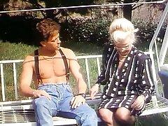 سارا جسی بلوند سکسی Busty کانال سکس فیلم توسط یک مرد خوش تیپ لعنتی