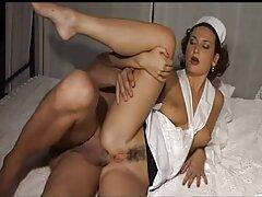 سبزه ساق بلند انجام حرکات کششی در کانال فیلم سکس درتلگرام خانه