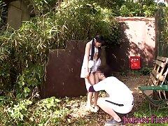 زن و شوهر شاخی شبانه در کانال سکسی موبوگرام خارج از خانه لعنتی می شوند
